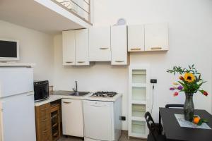 RHO Blumarine Apartment, Apartmanok  Rho - big - 5