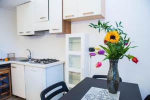 RHO Blumarine Apartment, Apartmanok  Rho - big - 13