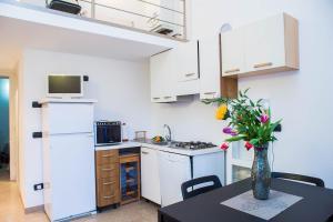 RHO Blumarine Apartment, Apartmanok  Rho - big - 29