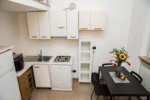 RHO Blumarine Apartment, Apartmanok  Rho - big - 44