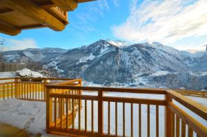 Ski-in / Ski-out Chalet Maiskogel 13a by Alpen Apartments