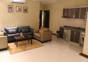 Drr Ramah Suites 7, Residence  Riyad - big - 39
