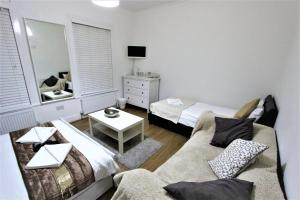 Leyton Rooms