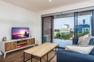 Slick 1 Bedroom + Carpark Apartment in Spring Hill