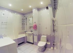 Apartment on Suvorova 25, Apartmanok  Kaluga - big - 3