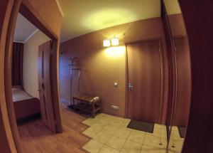 Apartment on Suvorova 25, Apartmanok  Kaluga - big - 6