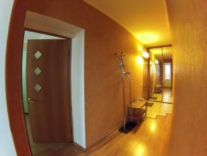 Apartment on Suvorova 25, Apartmanok  Kaluga - big - 8