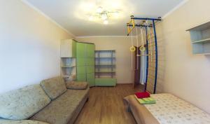 Apartment on Suvorova 25, Apartmanok  Kaluga - big - 10