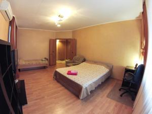 Apartment on Suvorova 25, Apartmanok  Kaluga - big - 13
