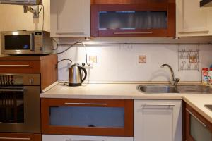 Apartment on Suvorova 25, Apartmanok  Kaluga - big - 14