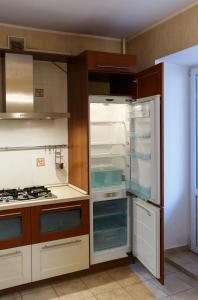 Apartment on Suvorova 25, Apartmanok  Kaluga - big - 21