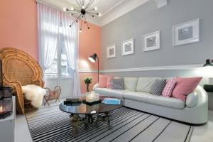 Central Luxury Apartment in Thiseio
