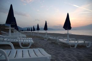 Acacia Resort Parco Dei Leoni, Rezorty  Campofelice di Roccella - big - 29