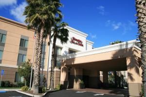 Hampton Inn&Suites Lathrop - Hotel