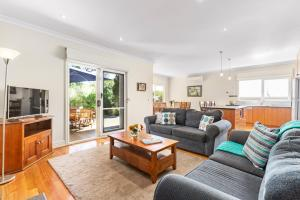 Tranquility in Cowes - Pets, Fireplace, WiFi, Linen, 350m Beach, 4 Bdrms