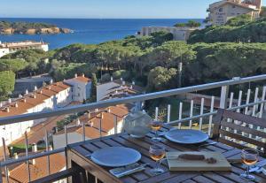 Caleta Del Sol, Ferienwohnungen  Sant Feliu de Guixols - big - 1
