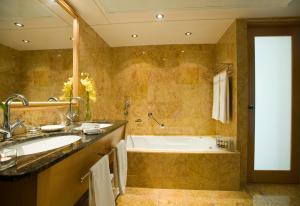 Constantinou Bros Asimina Suites Hotel (8 of 58)