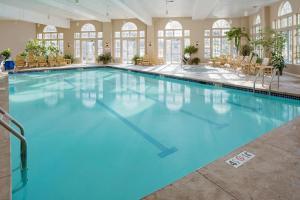 Westford Regency Inn&Conference Center - Hotel - Westford