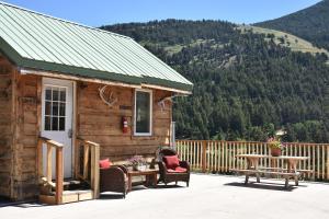 Yellowstone Mountain Cabins