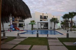 . Cerritos Beach Apartment
