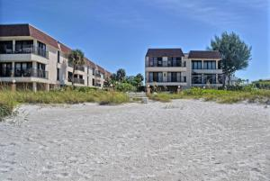 Waters Edge 210s Condo - Holmes Beach