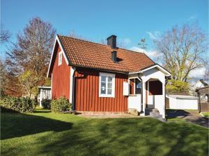 One-Bedroom Holiday Home in Landsbro, Ferienhäuser  Landsbro - big - 1