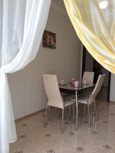 Apartments Oktyabr'skaya 77, Apartmány  Oriol - big - 15