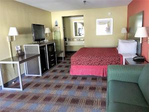 Days Inn by Wyndham San Antonio Near Fiesta Park, Hotely  San Antonio - big - 2
