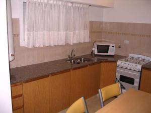 Departamentos El Pasaje, Апартаменты  Бальнеарио-Кларомеко - big - 9