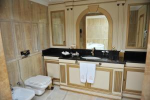 Intourist Batumi Hotel, Hotels  Batumi - big - 138