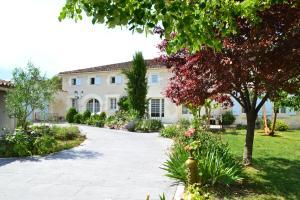 Location gîte, chambres d'hotes Le Fief des Chevaliers dans le département Charente 16