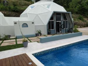 Villa Cupola - Runaway Bay