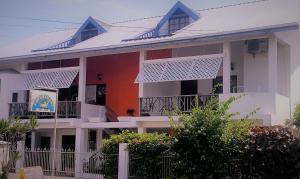 Bananaquit Apartments, Апарт-отели  Crown Point - big - 61