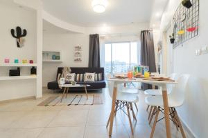 City Center Eliash Apartment