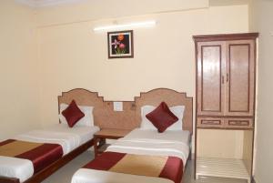 Hotel Bhavani Lodge, Отели  Хайдарабад - big - 24