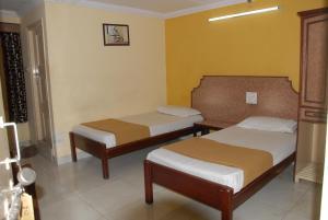 Hotel Bhavani Lodge, Отели  Хайдарабад - big - 27