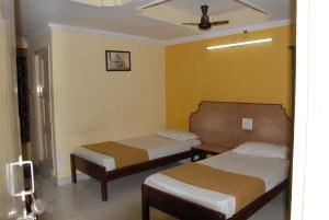 Hotel Bhavani Lodge, Отели  Хайдарабад - big - 26