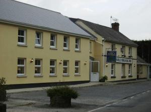 . The Hollybrook Country Inn
