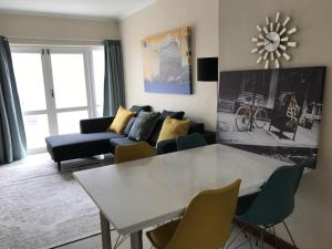 19 York Mews Greenpoint - كيب تاون