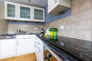 Amethyst apartment