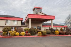 Bridgeway Inn & Suites - Portland Airport