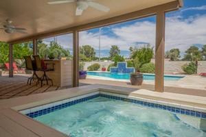 obrázek - 6 Bedroom House in La Solana Way, Las Vegas
