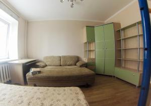 Apartment on Suvorova 25, Apartmanok  Kaluga - big - 24