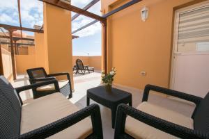Amazing Duplex with Ocean views & Rooftop, Апартаменты  Пуэртито-де-Гуимар - big - 1