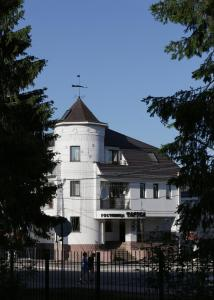 Tarusa Hotel - Pokhvisnevo