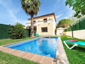 Holiday Home Cantabria House, Holiday homes  Calonge - big - 45