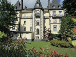 Location gîte, chambres d'hotes Le Grand Hôtel dans le département Puy de Dôme 63
