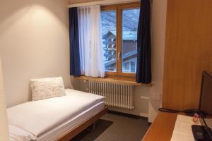 Hotel Parnass, Отели  Церматт - big - 59