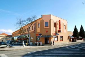 Hotel Slovan - Lučenec
