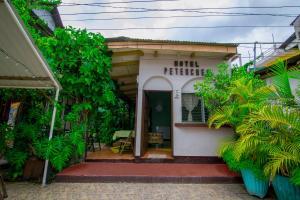 Hotel Petenchel - Flores